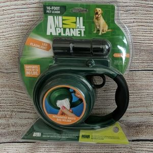 Pet leash 16-foot, retractable with led flashlight